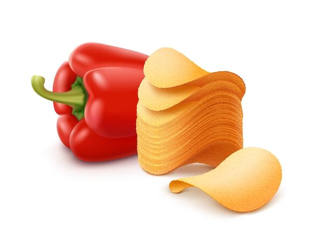 Aardappel knapperig chips stack met paprika close-omhoog geïsoleerd op witte achtergrond