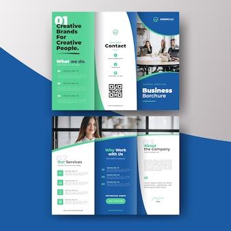 Abstracte driebladige brochure sjabloon concept