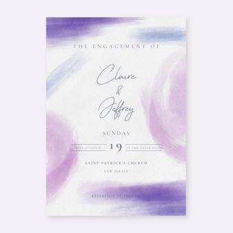 Abstracte huwelijksuitnodiging met paarse aquarel penseelstreken