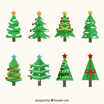 Acht versierde kerstbomen