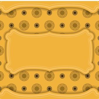 Achtergrond in gele kleur met abstract bruin patroon en plaats voor logo of tekst
