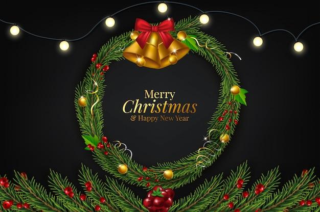 Achtergrond met rand van realistisch uitziende kerstboomtakken versierd met bessen