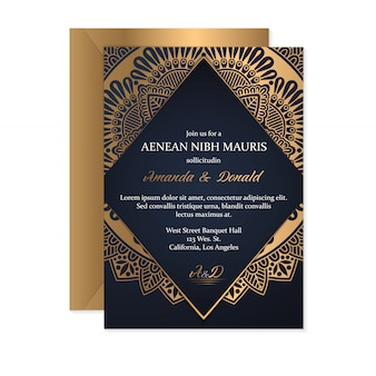 Achtergrond van het luxe mandalaontwerp in gouden kleur