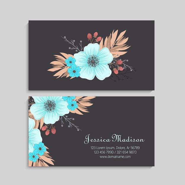 Adreskaartje met mooie lichtblauwe bloemen. sjabloon