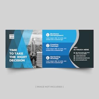 Adverterende aanplakbordlay-out met blauwe schaduwelementen