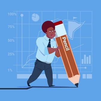 Afrikaanse amerikaanse bedrijfsmens die groot potlood houdt
