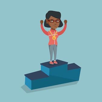 Afrikaanse sportvrouw vieren op winnaar podium