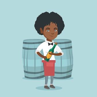 Afro-amerikaanse serveerster die een fles wijn houdt
