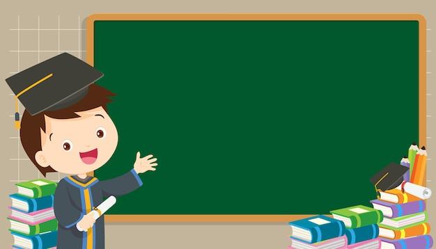 Afstudeer student met schoolbord