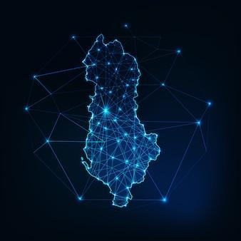 Albanië kaart gloeiende silhouet omtrek gemaakt van sterren lijnen stippen driehoeken, lage veelhoekige vormen.