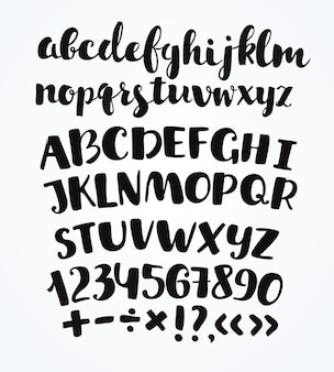 Alfabet met hand getrokken typografische symbolen