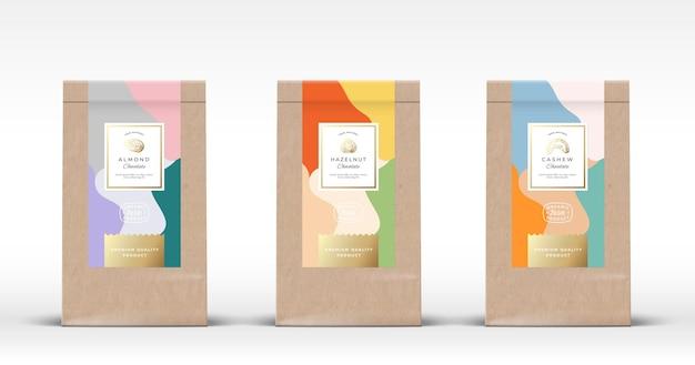Ambachtelijke papieren zak met noten, chocoladeetiketten.
