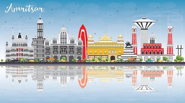 Amritsar skyline met grijze gebouwen, blauwe lucht en reflecties. vectorillustratie. zakelijk reizen en toerisme concept met historische architectuur. afbeelding voor presentatiebanner plakkaat en website.