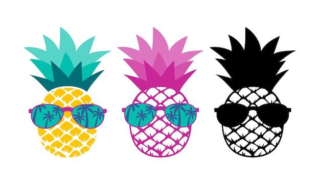 Ananas met zonnebril. zomer vakantie concept.