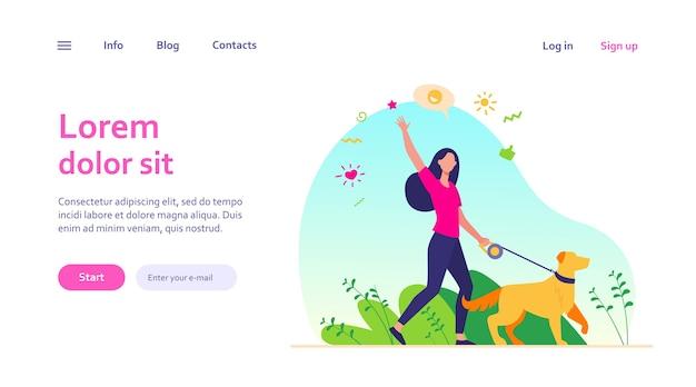 Anonieme gelukkige vrouw die met hond in park geïsoleerd websjabloon loopt. meisje met huisdier aangelijnd wandelen in de natuur en zwaaien.