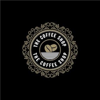 Antiek koninklijk retro luxe logo met sierlijst voor hotel restaurant café coffeeshop