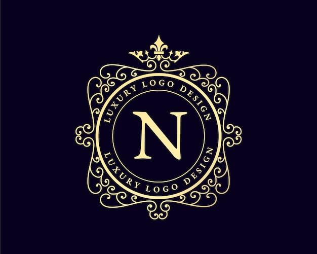 Antiek retro luxe victoriaans kalligrafisch embleem logo met sierlijst geschikt voor kapper wijn ambachtelijke bierwinkel spa schoonheidssalon boetiek antiek restaurant hotel resort klassiek koninklijk merk