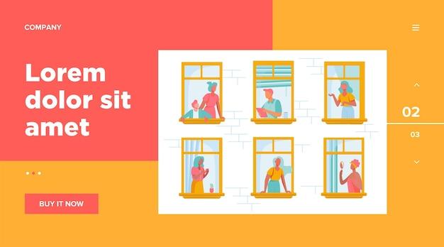 Appartementengebouw met mensen in open raamruimtes.