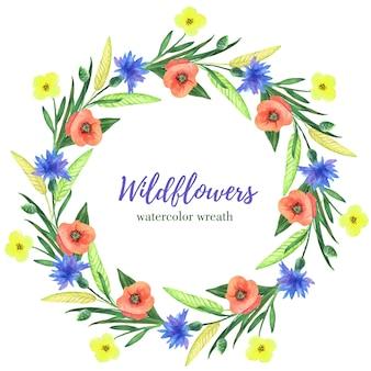 Aquarel krans met wilde bloemen op een witte achtergrond. zomer bloem frame voor huwelijksuitnodigingen, wenskaarten en andere.