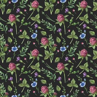 Aquarel naadloze bloemmotief. wilde bloemen, kamille, bladeren en kruiden op een zwarte achtergrond
