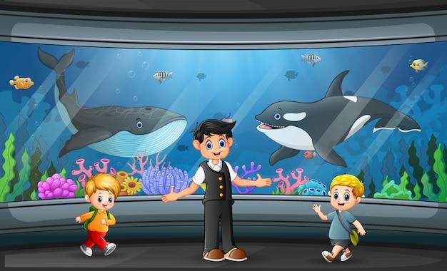 Aquarium interieur achtergrond met glazen transparante wanden