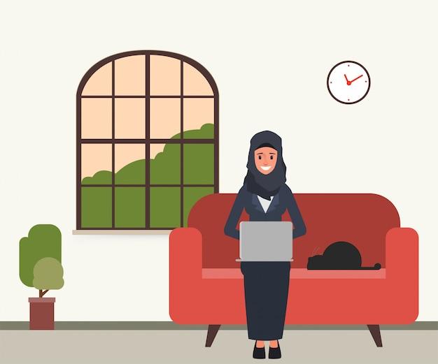 Arabier of moslim met behulp van een laptop op zijn plaats.