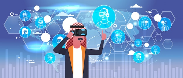 Arabische zakenman die 3d glazen draagt