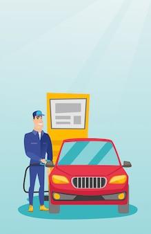 Arbeider die brandstof opvult in auto bij het benzinestation