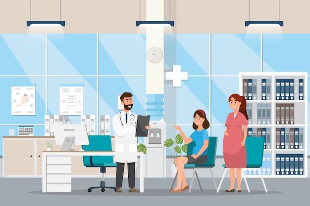 Arts met zwangeren in een kamer in het ziekenhuis.