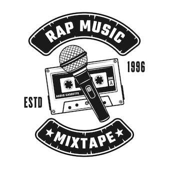 Audiocassete en microfoons vector hip-hop muziek embleem, badge, label of logo in vintage zwart-wit stijl geïsoleerd op een witte achtergrond