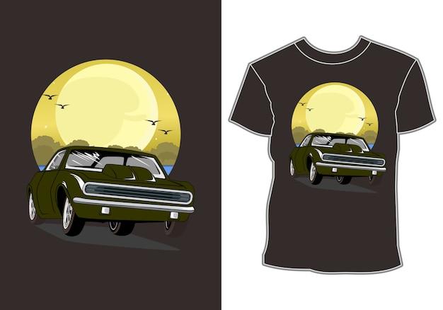 Auto is op zomervakantie bij het ontwerp van de strandt-shirt