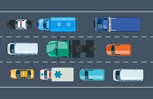 Autoverkeer verkeer op gemarkeerde weg bovenaanzicht. voertuig transport auto, vrachtwagen, ambulance, politie, taxi, busje rijden op stedelijke snelweg. transportsnelheid rijden op spitsuur cartoon vector