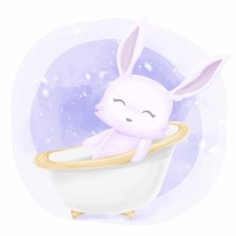 Baby schattig konijn nemen van een bad
