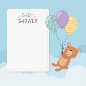 Baby shower vierkante kaart met kleine beer teddy en ballonnen helium