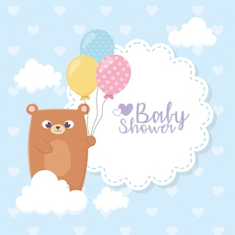 Babydouche, teddybeer met ballonnen wolken harten achtergrond