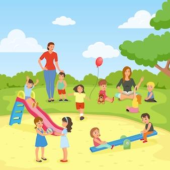 Babysitters met kinderen in het park