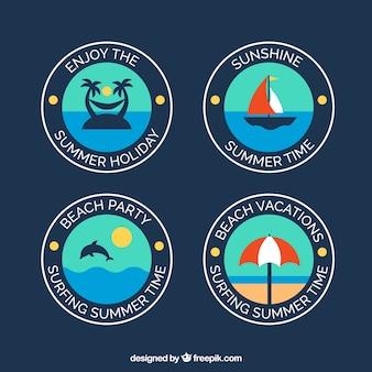 Badges van de zomer in plat design