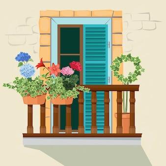 Balkon bloemen. huis gevel venster en decoratieve planten potten groeien vensterbank grappige lente zonlicht thuis appartement