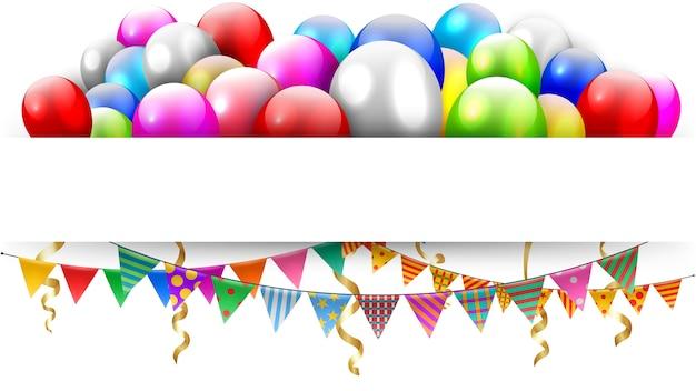 Ballons die en driehoeksbunting vlaggen met tekstruimte drijven
