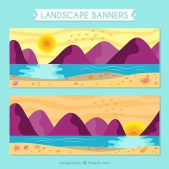 Banners van het landschap bij zonsondergang met bergen