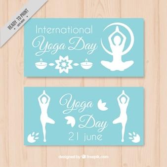 Banners van yoga dag met silhouetten