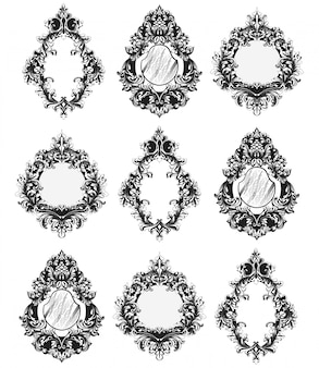 Barokke spiegelkaders ingesteld