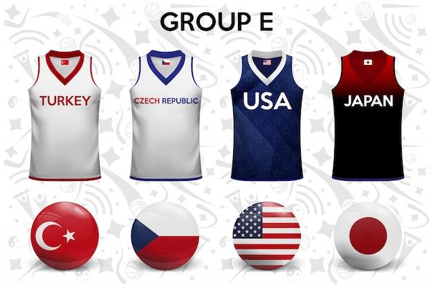 Basketbalshirts. set van t-shirts en vlaggen van de nationale teams.