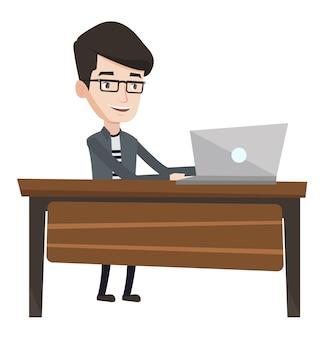 Beambte die aan laptop in bureau werkt.