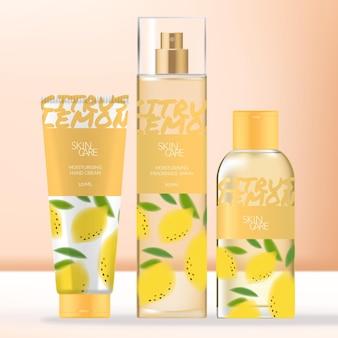 Beauty-verpakkingsbundel met cosmetische tube, geurspray en doorzichtige fles met schroefdop.