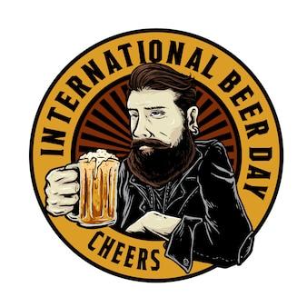 Bebaarde man met een glas wortel bier badge ontwerp