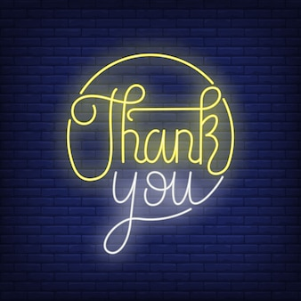 Bedankt neon letters in cirkel. thanksgiving dag.