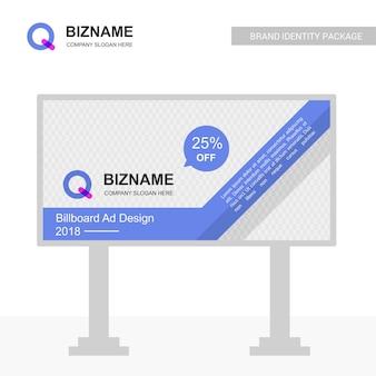 Bedrijf bill board design met q-logo vector
