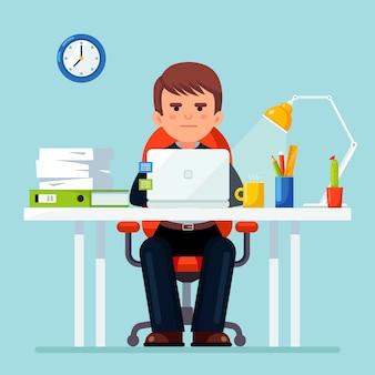 Bedrijfs mens die bij bureau werkt. kantoorinterieur met computer, laptop, documenten, tafellamp, koffie. manager zittend op een stoel. werkplek voor werknemer, werknemer