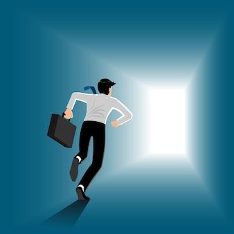 Bedrijfs mens die met aktentas op de manier aan de uitgang loopt